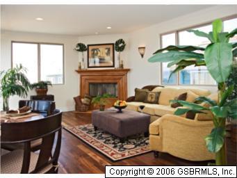 228 43rd Street, Manhattan Beach, California 90266, 3 Bedrooms Bedrooms, ,2 BathroomsBathrooms,For Sale,43rd,S940763