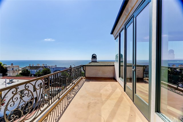 305 29th Street, Manhattan Beach, CA 90266