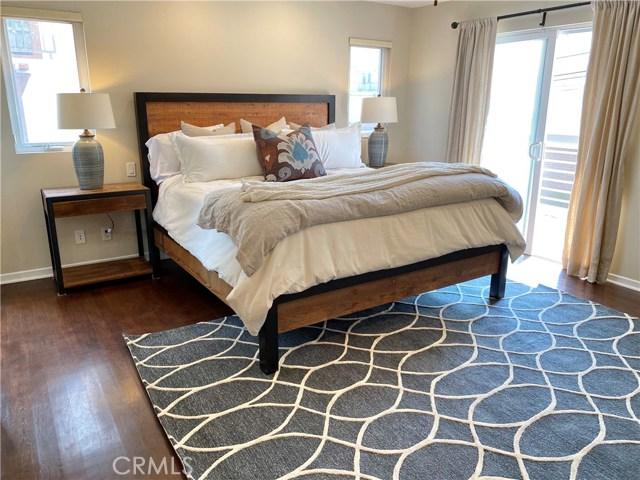 421 11th Street, Hermosa Beach, California 90254, 3 Bedrooms Bedrooms, ,2 BathroomsBathrooms,For Sale,11th,SB20203458