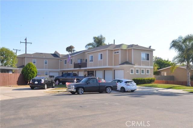 702 Jay Circle, Huntington Beach, CA 92648