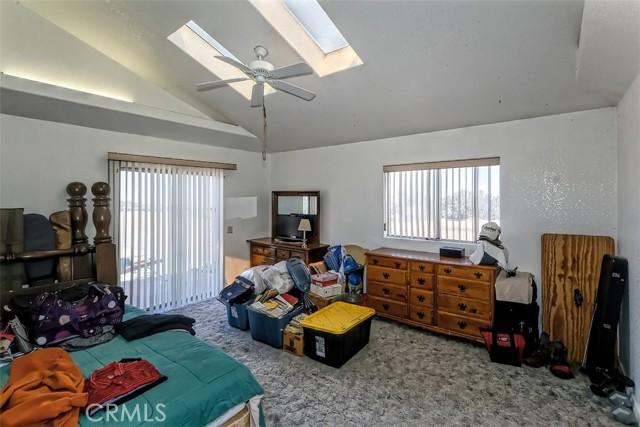 51. 5225 Bellflower Street Oak Hills, CA 92344
