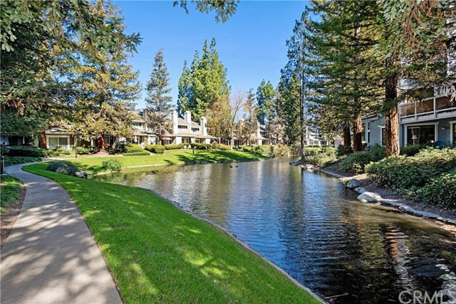 700 E Lake Dr 102, Orange, CA 92866