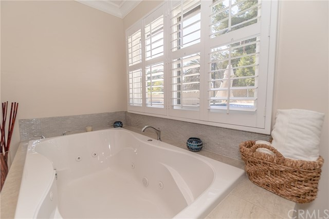 17421 Klee St, Sherwood Forest, CA 91325 Photo 42
