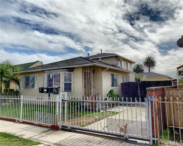1346 W 83rd Place, Los Angeles, CA 90044