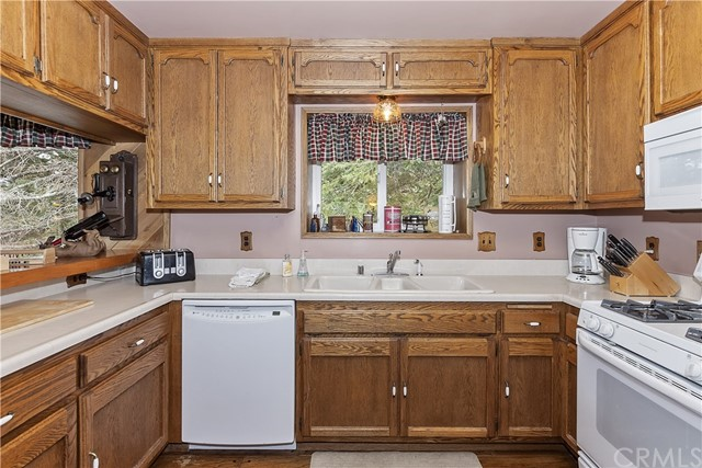 33458 Falling Leaf Dr, Green Valley Lake, CA 92341 Photo 10