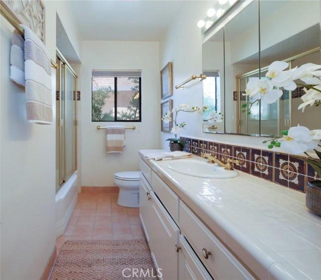 Bathroom #1 (hallway bathroom)