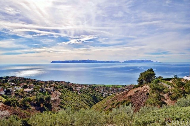 83 Crest Road E, Rolling Hills, CA 90274