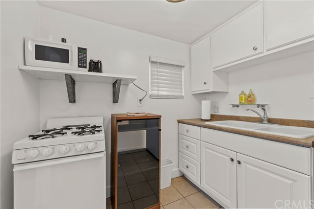 347 30th Place, Hermosa Beach, California 90254, ,For Rent,30th Place,SB21057598