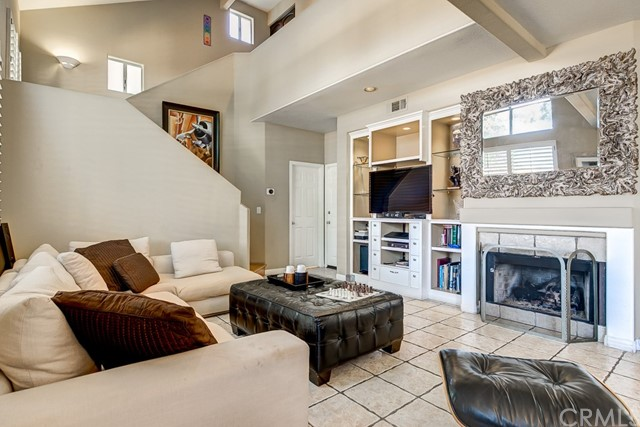 302 E 16th Street, Costa Mesa, California