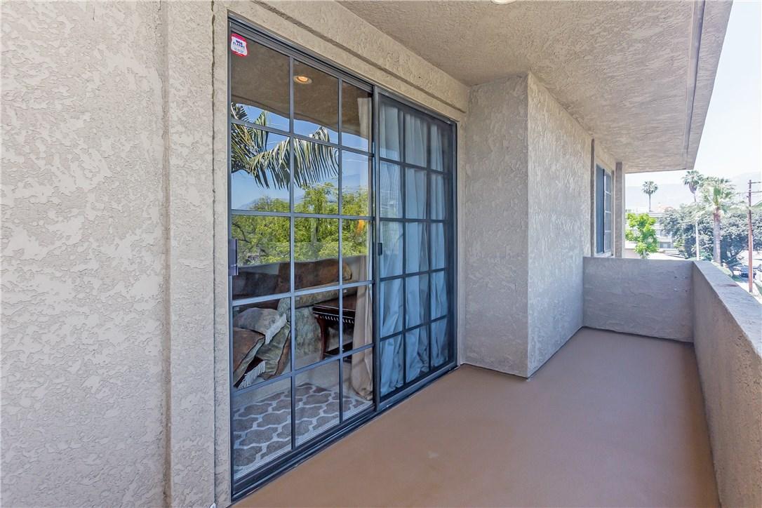 221 S Oak Knoll Av, Pasadena, CA 91101 Photo 29