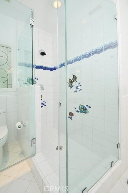 Upstairs hallway bathroom shower