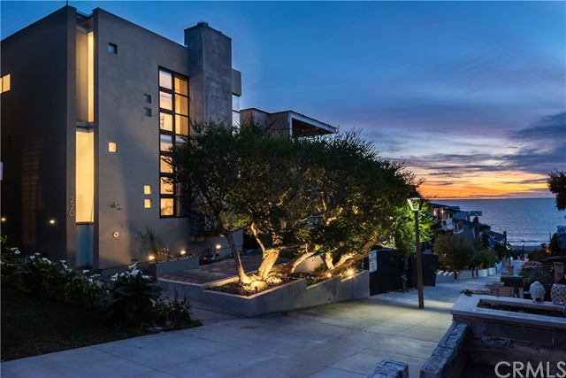 220 16th Street, Manhattan Beach, California 90266, 5 Bedrooms Bedrooms, ,4 BathroomsBathrooms,For Sale,16th,SB20060055