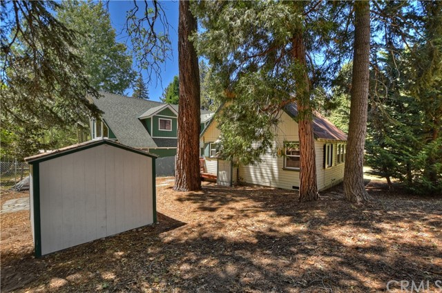33767 Meadow Ln, Green Valley Lake, CA 92341 Photo 17