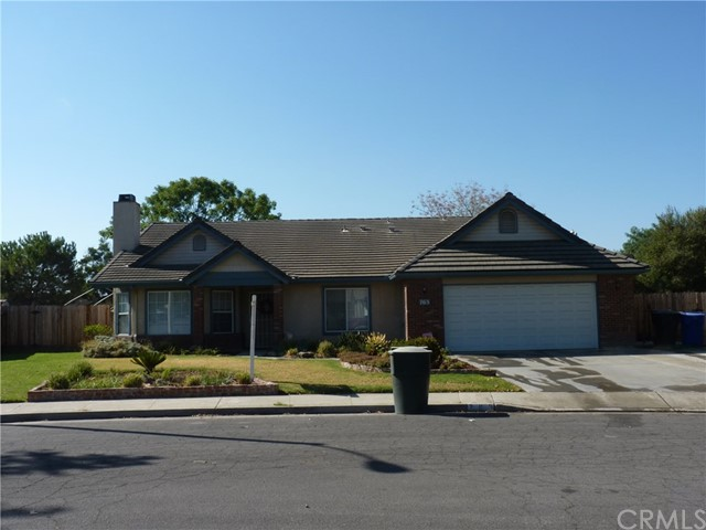 763 E Redwood Street, Hanford, CA 93230