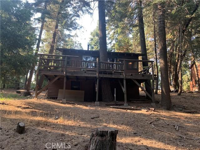 885 Quail Trail, Lake Arrowhead CA: https://media.crmls.org/medias/88b91345-1938-41d0-9992-69db4cac4383.jpg
