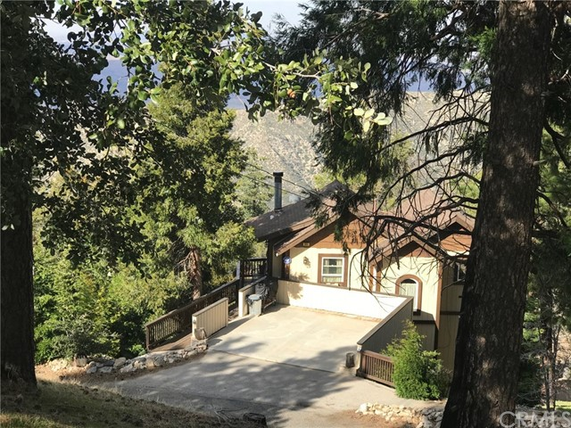 865 Mozumdar Drive, Cedarpines Park, CA 92322