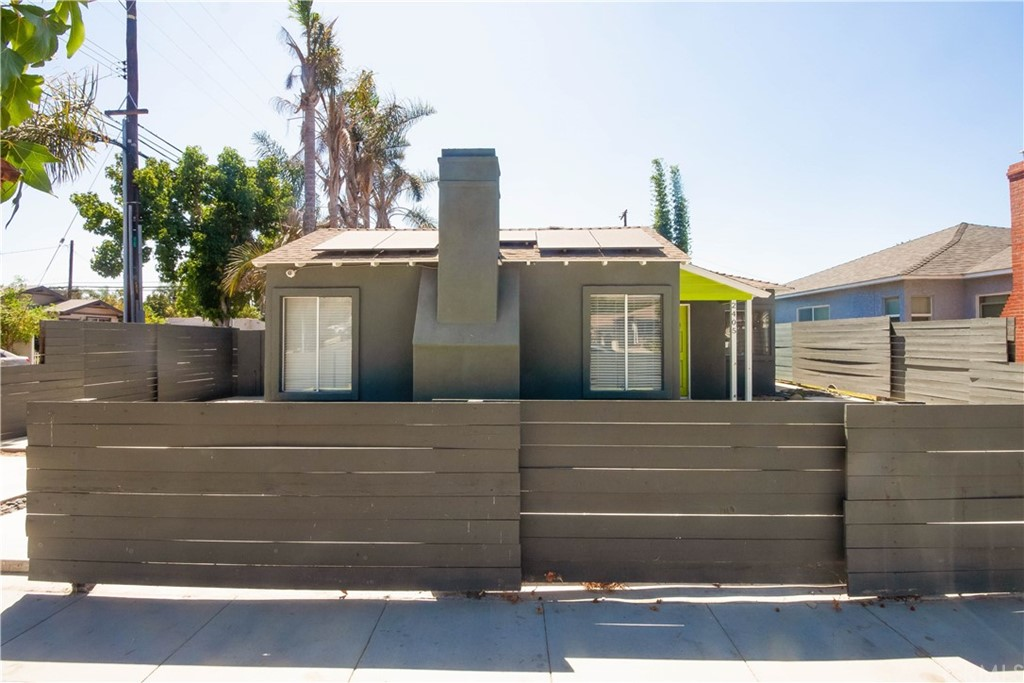 2405     Earl Avenue, Long Beach CA 90806