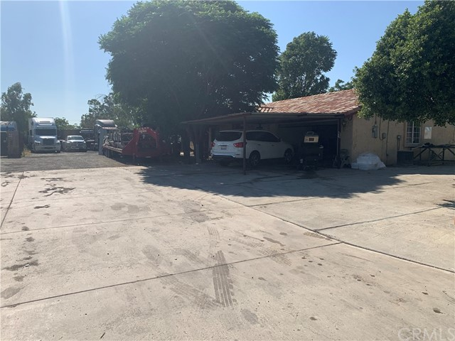 Photo of 9922 Carob Avenue, Fontana, CA 92335
