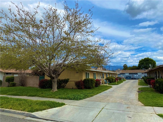 230 N Mayflower Street, Hemet, CA 92544