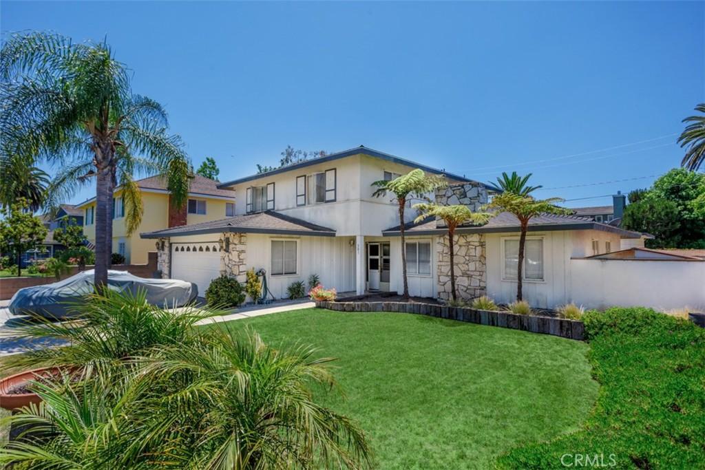 Photo of 301 Robinhood Lane, Costa Mesa, CA 92627