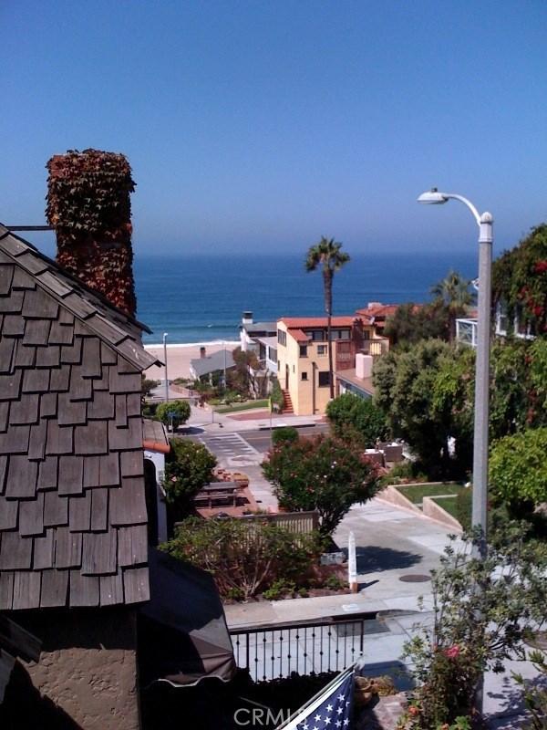 220 32nd Street, Manhattan Beach, CA 90266