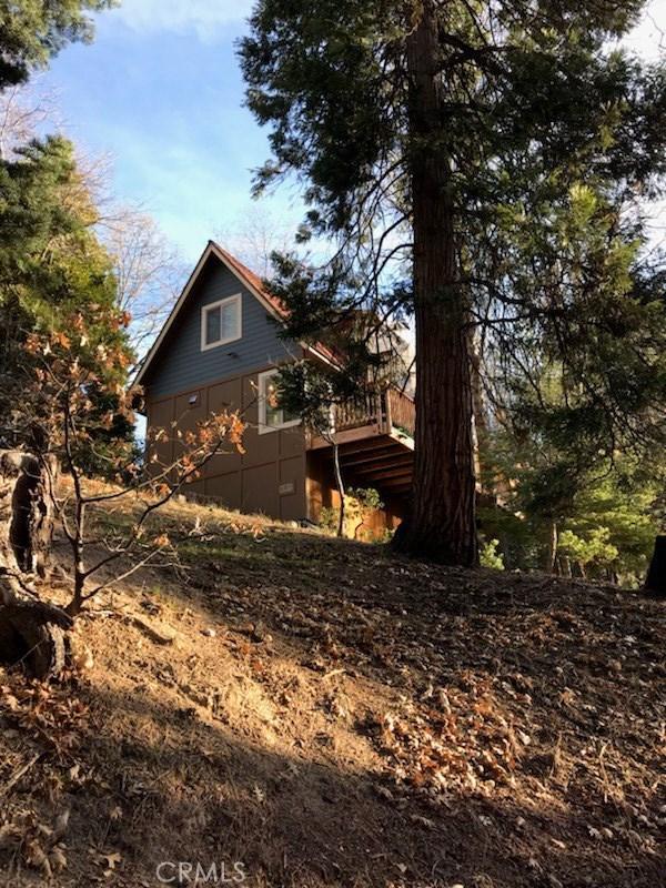 364 Iris Drive, Lake Arrowhead, CA 92391