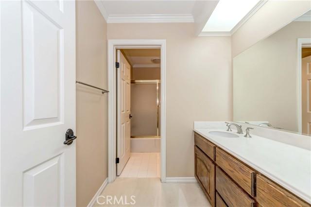 Bathroom #3 (upstairs)