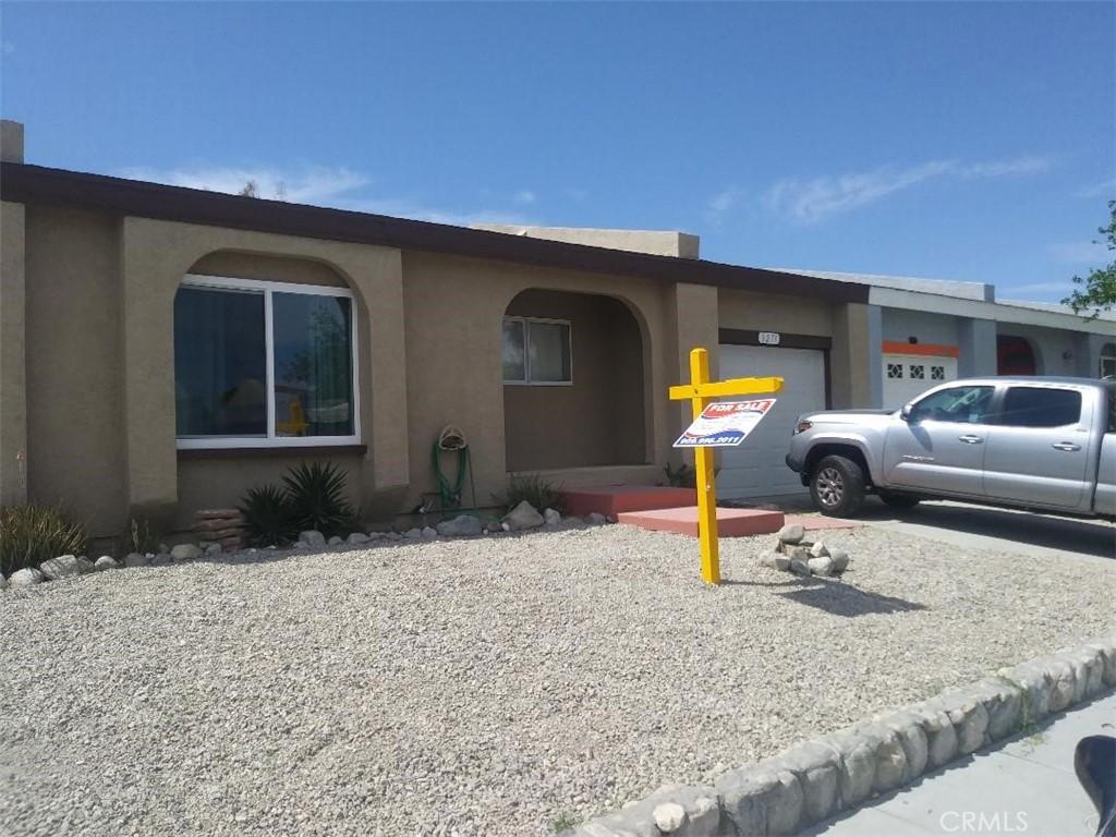 3271 N Sandspring Drive