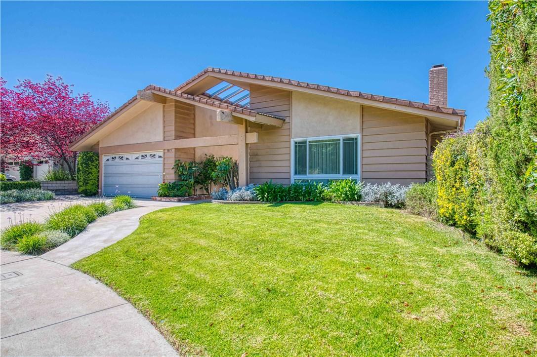 3015 Amigos Drive, Burbank, CA 91504