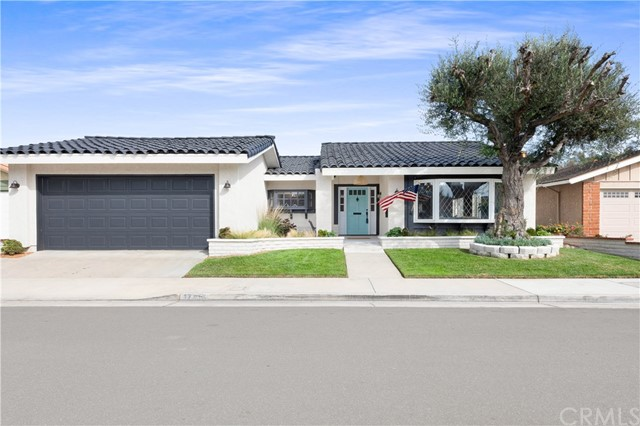 17462 Mashie Circle, Huntington Beach, CA 92647