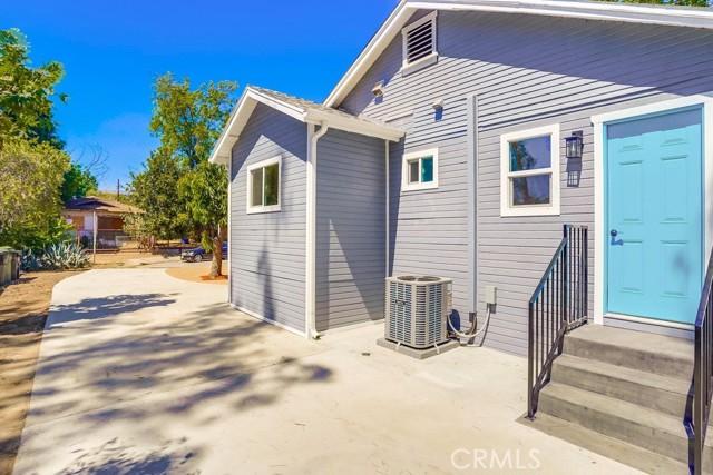 53. 3954 N Sequoia Street Atwater Village, CA 90039