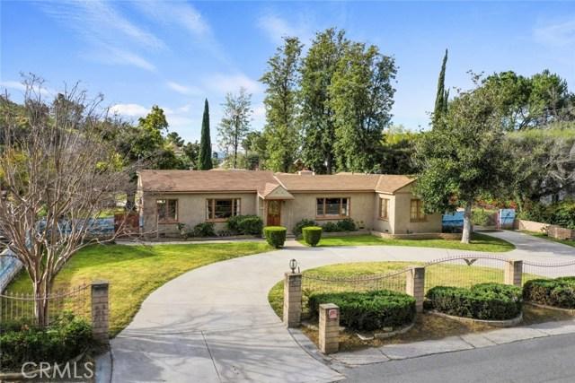 10458 Penrose Street, Sun Valley, CA 91352