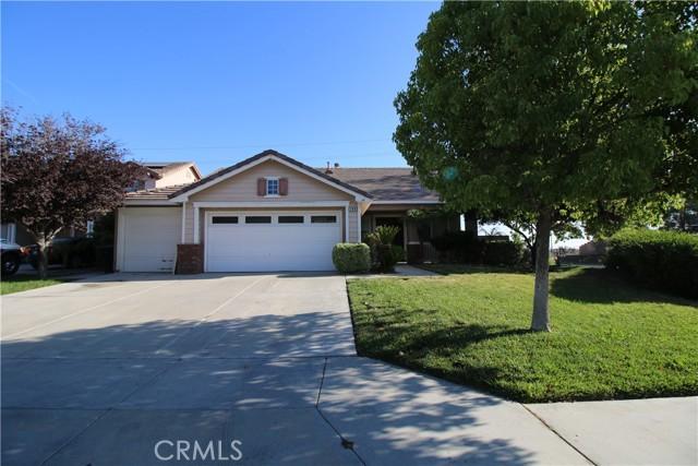 166 Goldenrod Ave, Perris, CA 92570