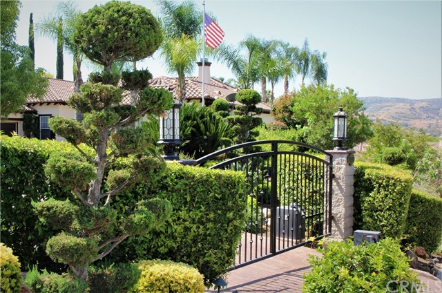 Photo of 947 Sunset Hills Lane, Redlands, CA 92373
