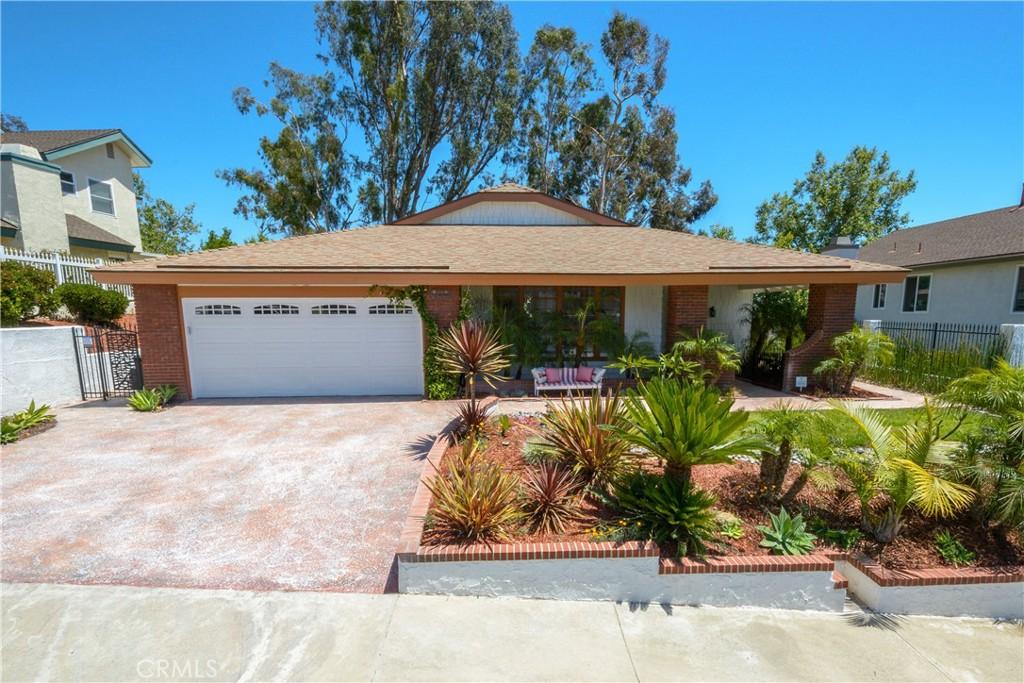 24942     Del Monte Street, Laguna Hills CA 92653