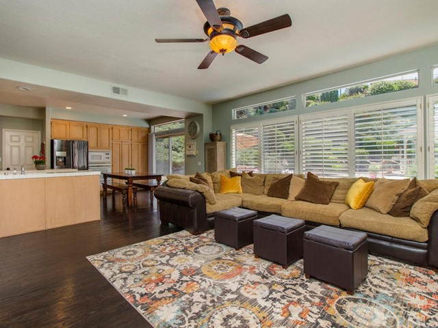32011 Via Seron, Temecula, CA 92592 Photo 12