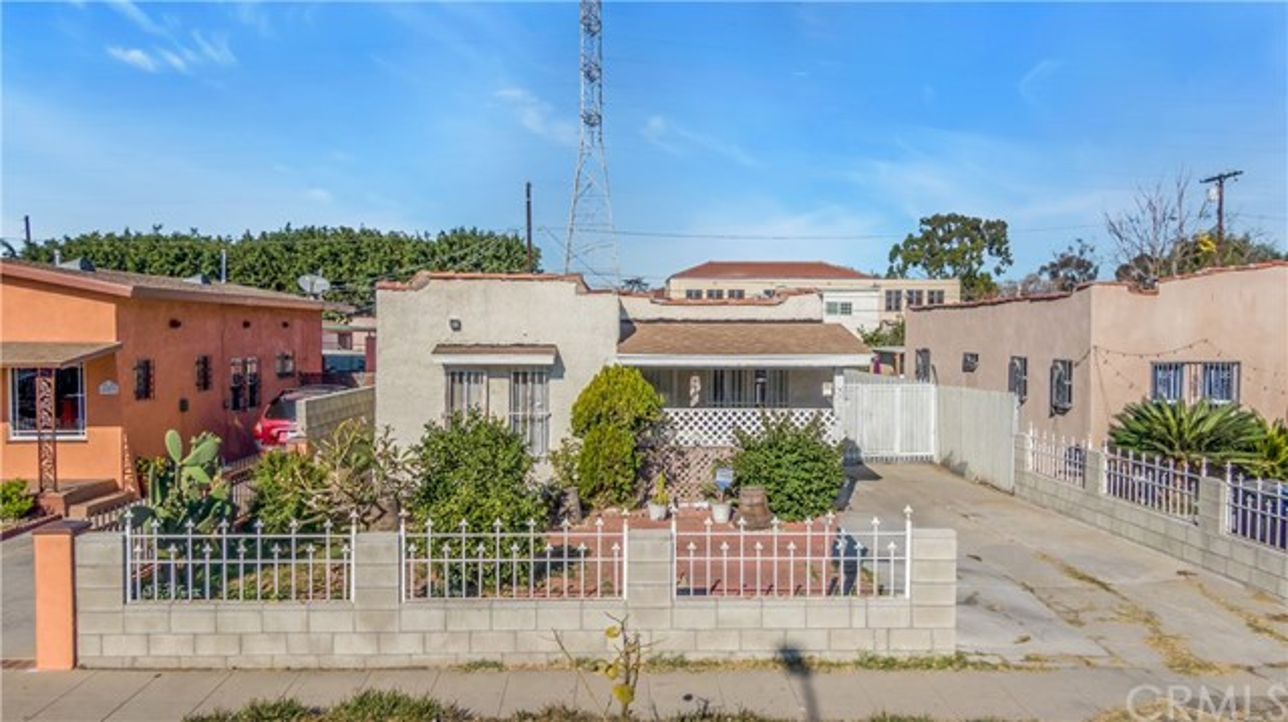 425 W 99th Street, West Los Angeles, CA 90003