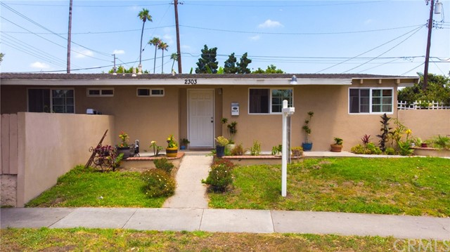 2303 S Lowell Street, Santa Ana, CA 92707
