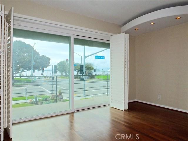 2105 E Ocean Boulevard 2, Long Beach, CA 90803