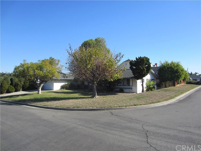 This is a Probate Listing, Buyer has to withdraw offer seller attorney said to relisted all offer subject to Court confirmation due to bank short sale. PLEASE WRITE ALL OFFER'S ON PROBATE CONTRACT NOT RPA.   First time on the market since the family bought it in 1969, Property is located on a 10,295 sqft corner lot, with 3 bedrooms, 2 baths, step down living area, dining area, home is dated in the kitchen, both bathrooms, older roof, windows, the value is in the opportunity to bring this home up today standards. Home has lots of potential for either expanding or just renovating to ones style.   Being sold as-is no repairs