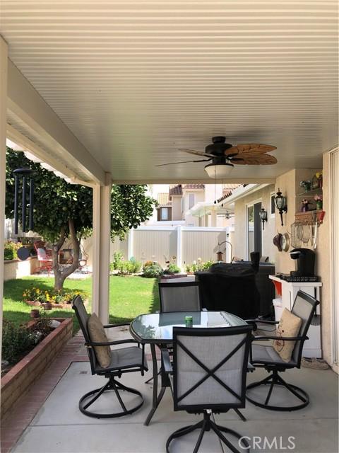 3061 Pembroke Circle, Corona CA: https://media.crmls.org/medias/8b168b9b-f724-4562-9861-3c5ae90df287.jpg