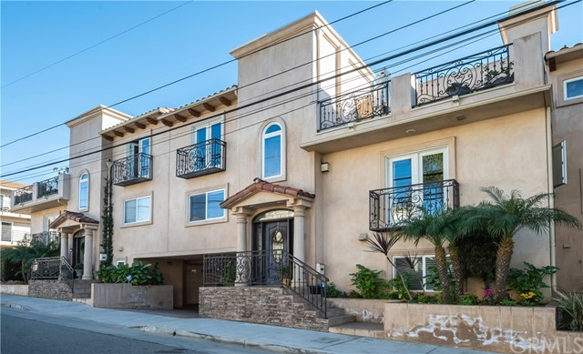 606 5th Street, Hermosa Beach, California 90254, 4 Bedrooms Bedrooms, ,4 BathroomsBathrooms,For Rent,5th,SB21020584
