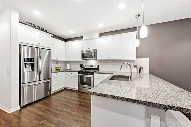 1004 El Paseo, Lake Forest, CA 92610