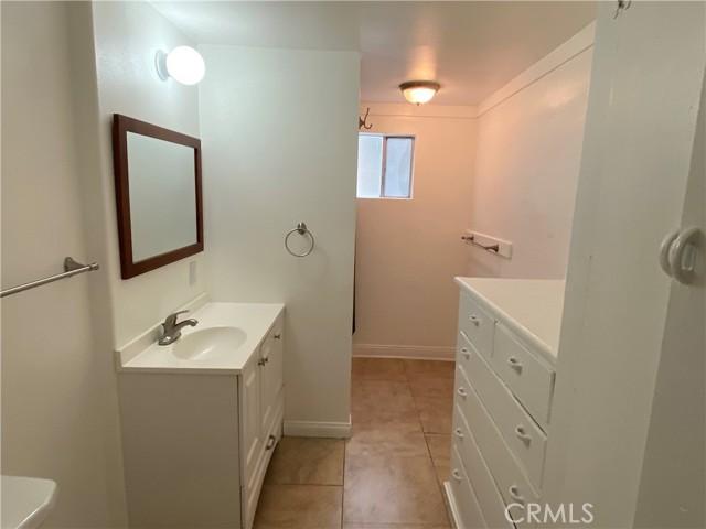 unit 1 bathroom 2