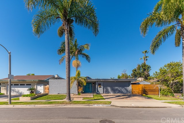 16915 Roundhill Drive, Huntington Beach, CA 92649
