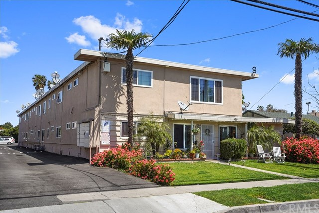 560 Hamilton Street, Costa Mesa, CA 92627