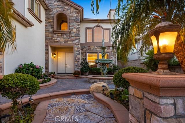 地址: 17512 Edgewood Lane, Yorba Linda, CA 92886