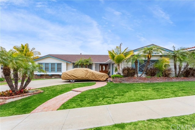 5811 S Holt Avenue, Ladera Heights, CA 90056