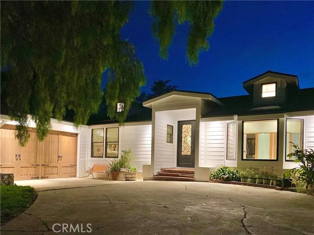 2. 19 Dapplegray Lane Rolling Hills Estates, CA 90274