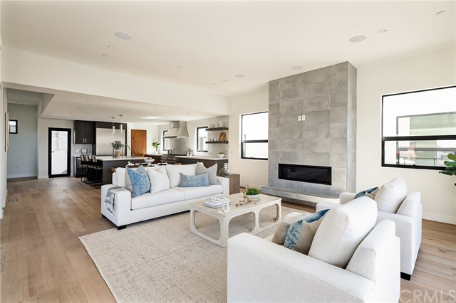 Versatile living space with modern designer flair (shown here using reverse of 961 Unit A staging)
